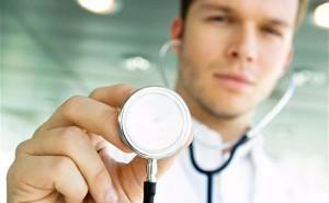 Намалява броят на личните лекари и на денталните медици