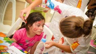 """Инициативата """"Приказки без край"""" съкращава болничния престой на децата"""