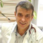 Д-р Коста Костов, професор по белодробни болести: Българите пушат много, защото са болни и нещастни хора