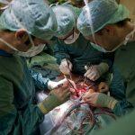 Лекари спасиха жена, като й махнаха белите дробове за 6 дни