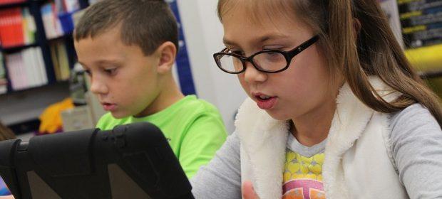 Доц. Виолета Чернодринска: Таблетът и смартфонът вредят повече на детските очи, отколкото компютърът