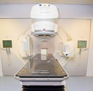 """Нова техника по облъчване на тумори приложиха за първи път у нас в """"Св. Марина"""" - Варна"""