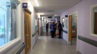 Връщат регистрацията с лична карта в болниците