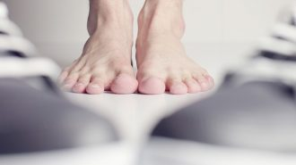С боси крака срещу гъбичките