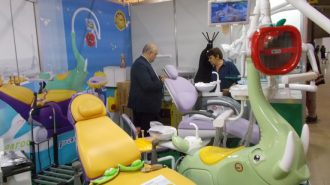 Новост в стоматологията: 3D машина прави коронки за 7 минути пред пациента