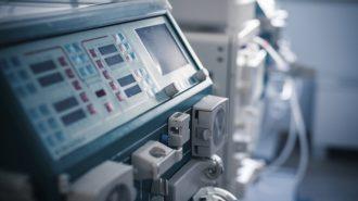 Превозването на болните на хемодиализа с таксита създава риск от зарази