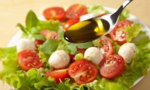 Няма полза от здравословното хранене, ако ядем много сол