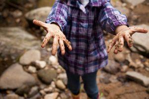 Микробите пазят децата от левкимия