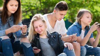 Консултират непълнолетните за рисково поведение