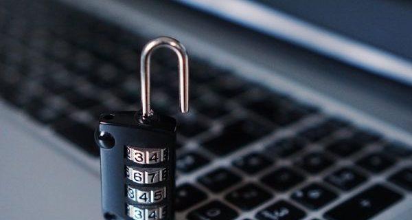Болниците да вземат спешни мерки за информационната сигурност Забраняват на служителите да гледат филми и да отварят страници, които не са свързани с работата им
