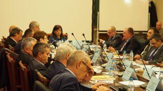 Здравната комисия отхвърли и двата законопроекта за разделяне на БАПЗГ